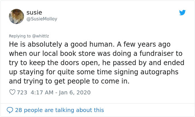 tom hanks attends a bookstore fundraiser and helps the event