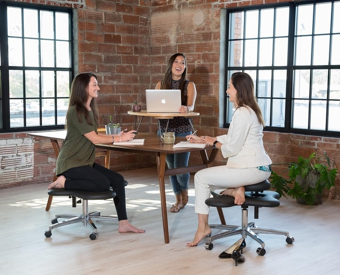 The Soul Seat Is An Office Chair That Lets You Sit In Many Different Positions Like Cross Legged For Example