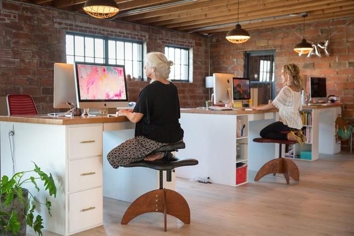 Ergonomic Office Chairs for Cross-legged Sitting