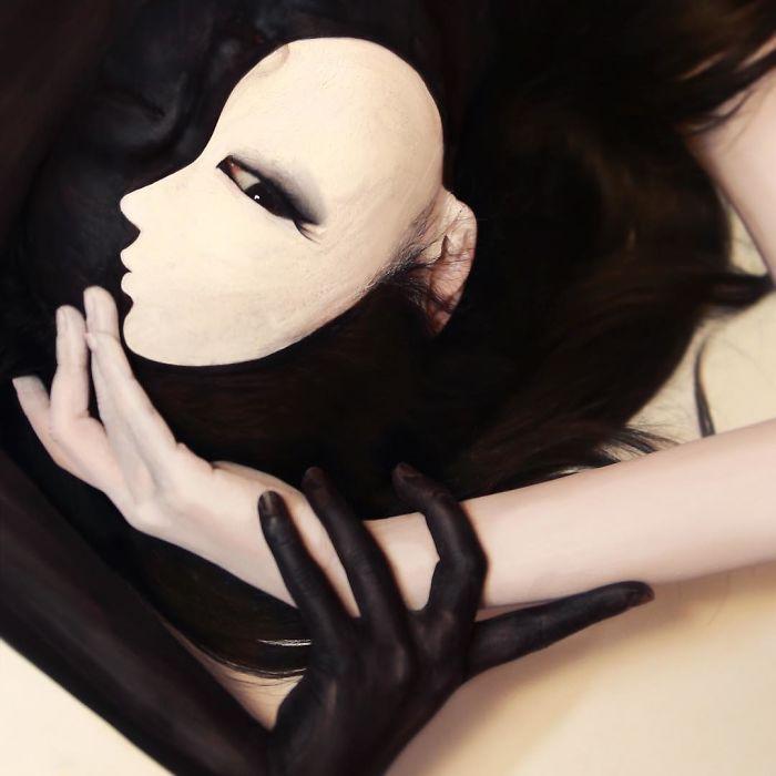 Optical Illusion Makeup White Face