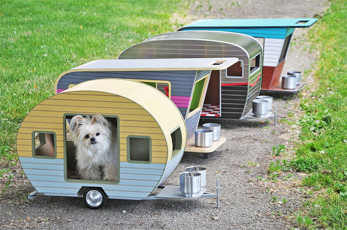 Pet trailer beds