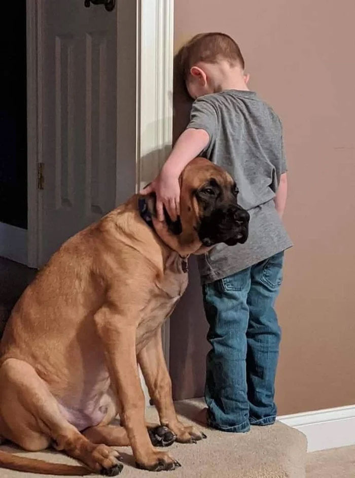 best bud accompanies kid at time out