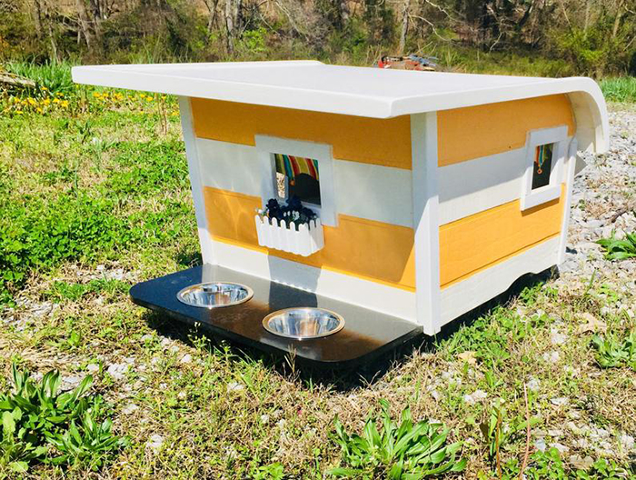 canine camper small front