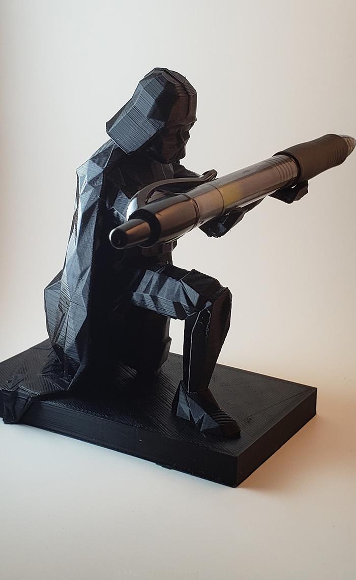 darth vader pen holder kneeling