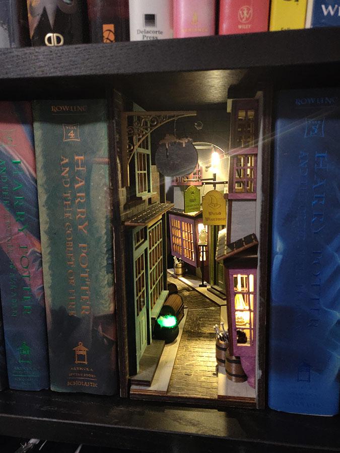 diagon alley bookshelf insert