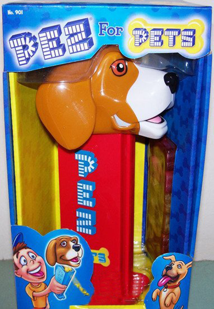 giant pez dispenser smiling beagle head