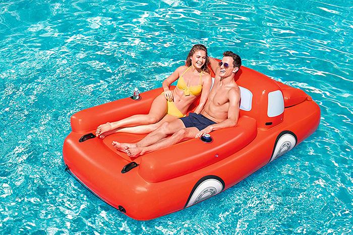 giant vehicle float