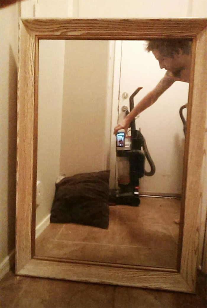 people trying to sell mirrors vacuum