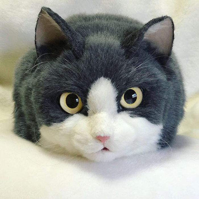Blue-gray Cat-shaped Bag Facial Features