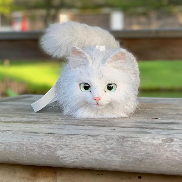 Faux Fur Cat-shaped Purse in White