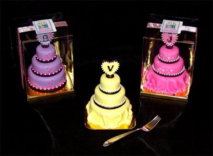 decorative miniature wedding cakes