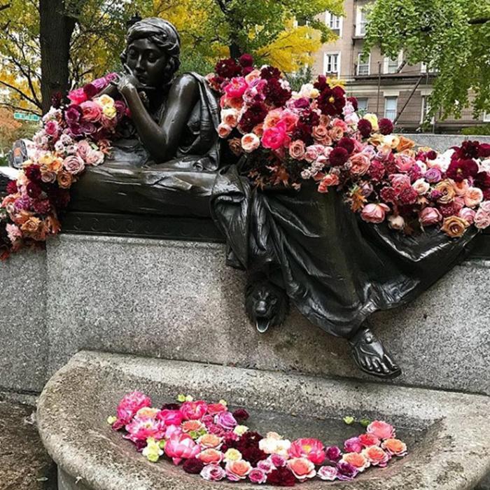 floral arrangement lewis miller miss manhattan statue