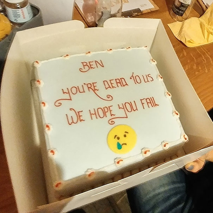 hilarious farewell cakes hope you fail