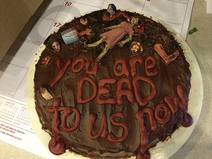 hilarious farewell cakes horror