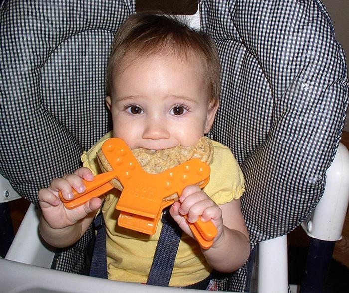 sandwich clamp toddler eating utensil