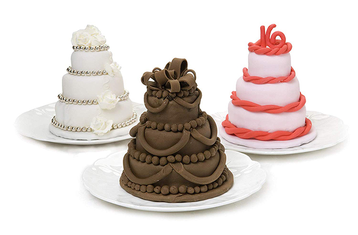 three-tiered wedding cakes