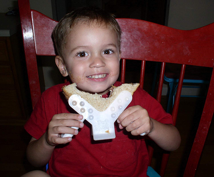 tot tools toddler eating utensil