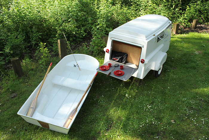 American Dream Trailer with Boat Roof