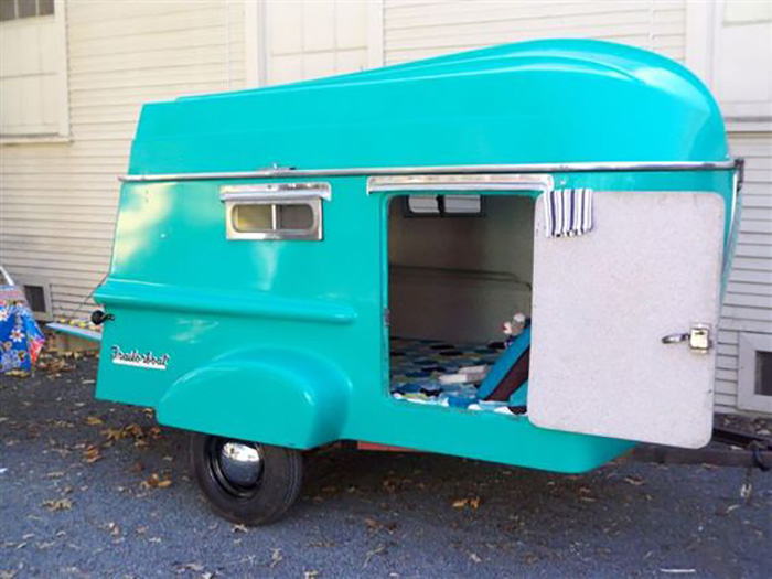 Fiberglass Retro Camper with Removable Rowboat Roof Gilda