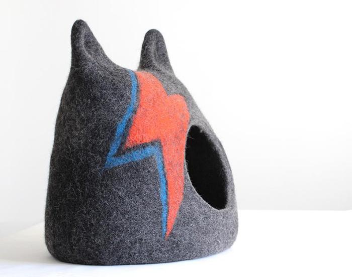 aladdin sane-inspired feline cave gray