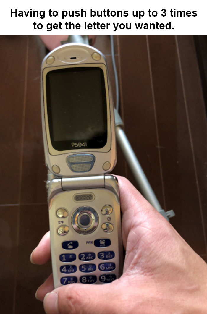 outdated problems flip phone buttons