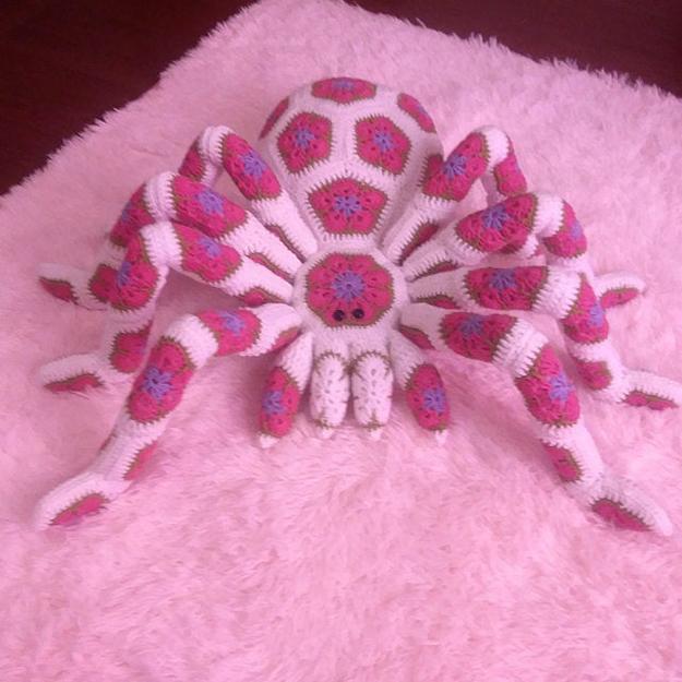 pretty in pink spider