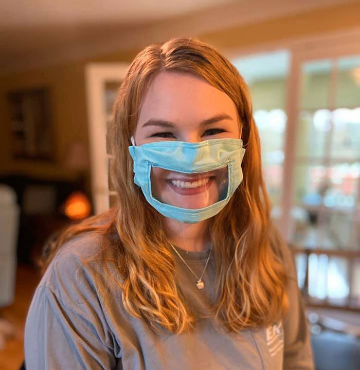 student makes transparent surgical mask