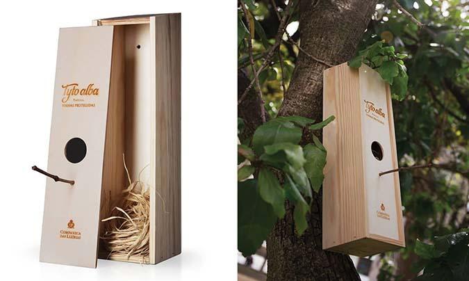 wine bottle bird box house simulation