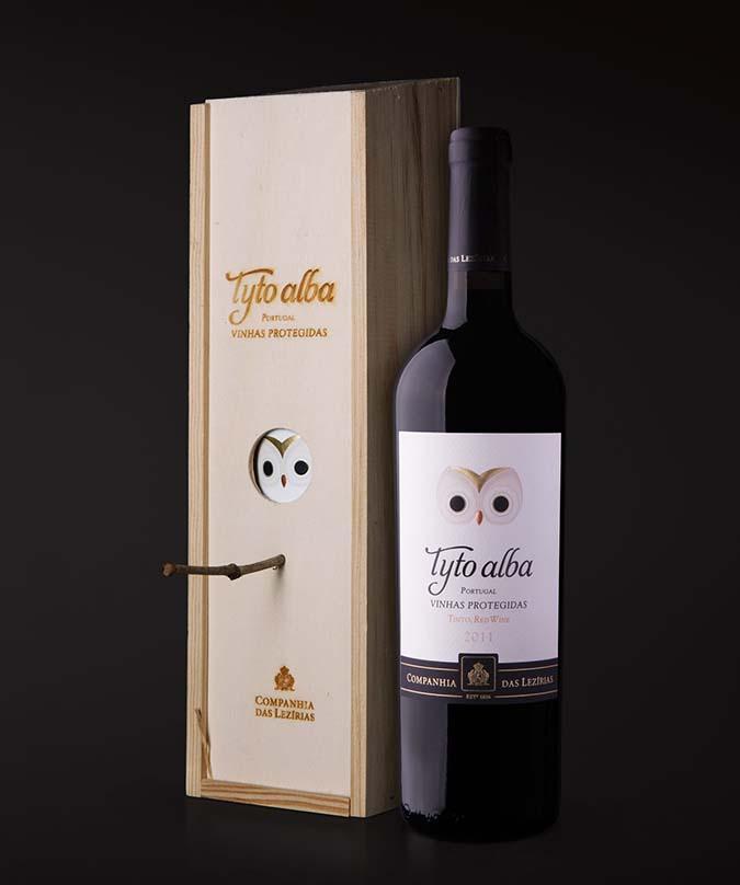 wine bottle bird box house