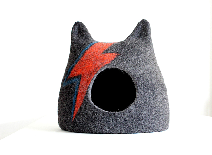 ziggy stardust-inspired cat bed gray