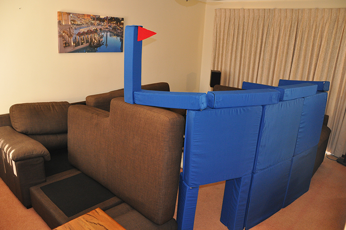 squishy forts living room