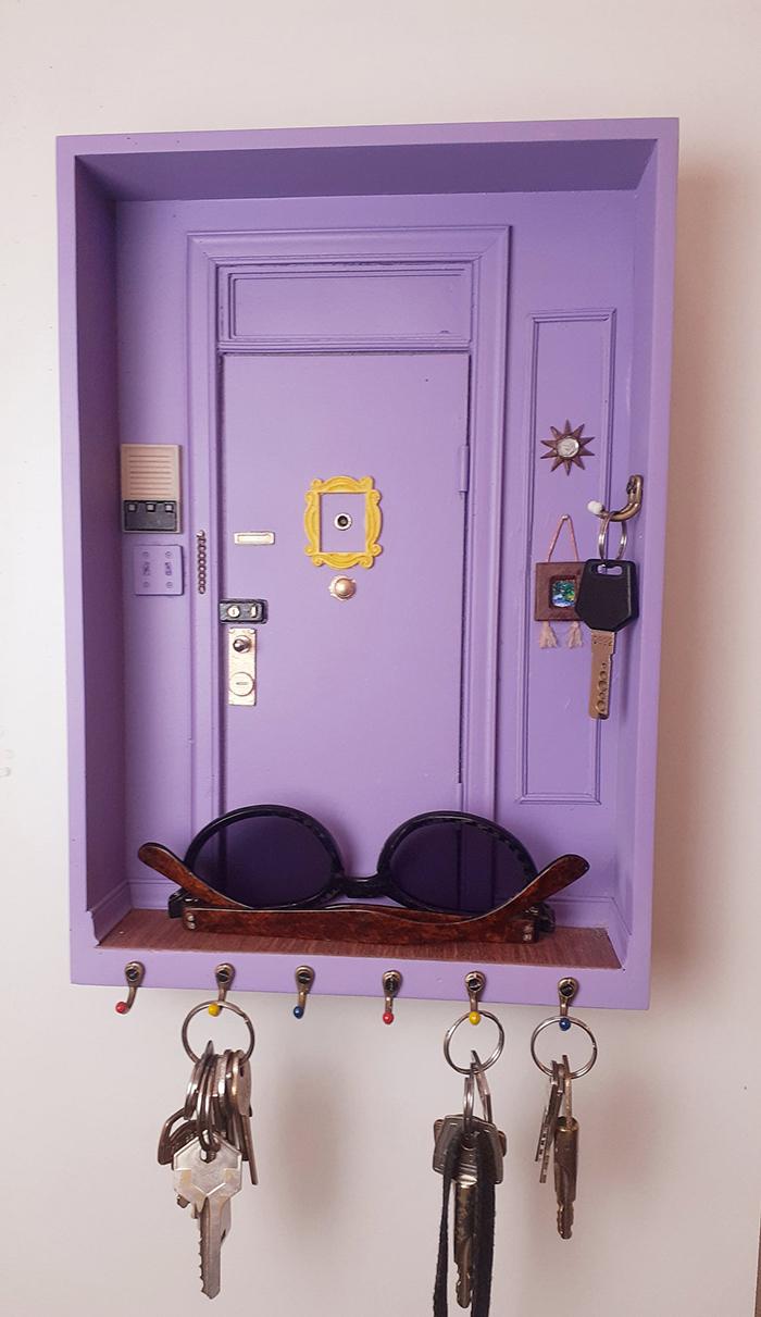 friends door scale replica wall key holder