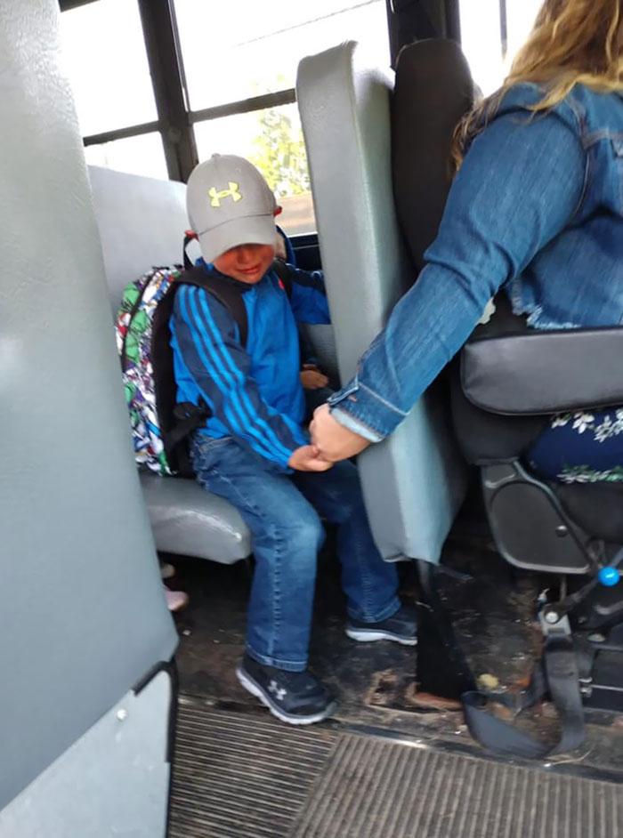 wholesome positive stories bus driver comforts nervous boy