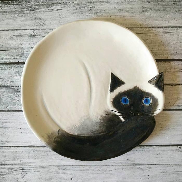 Ceramic Cat Plate White Black