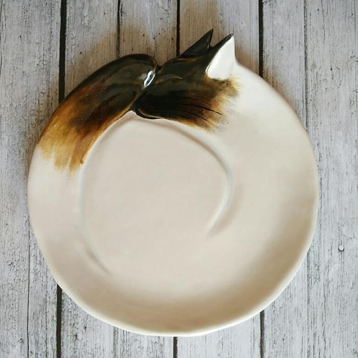 Ceramic Cat Plate White Brown