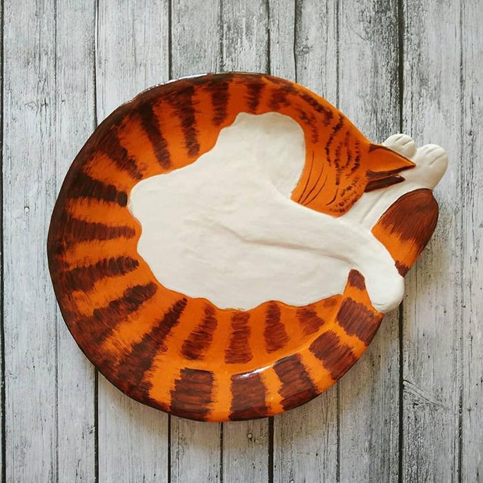 Ceramic Cat Plate White Orange