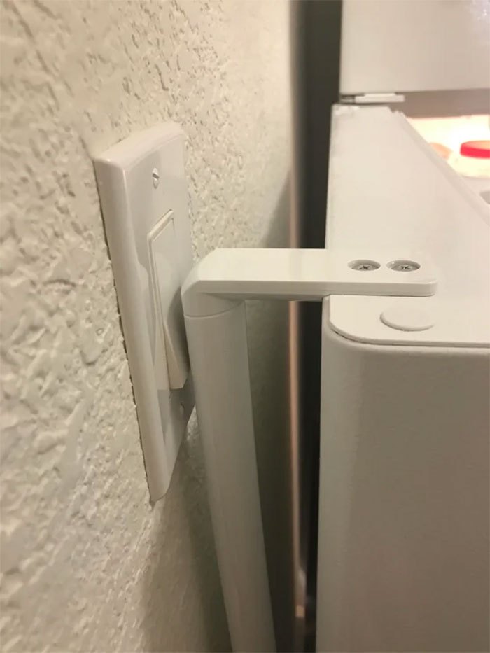 design fails refrigerator door turns off light