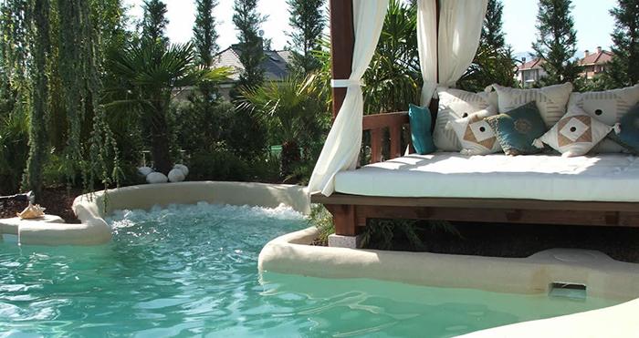 luxury custom pools beach-style
