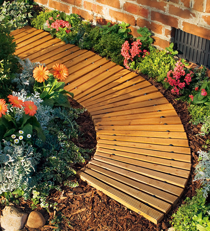 roll-out wooden walkway curved