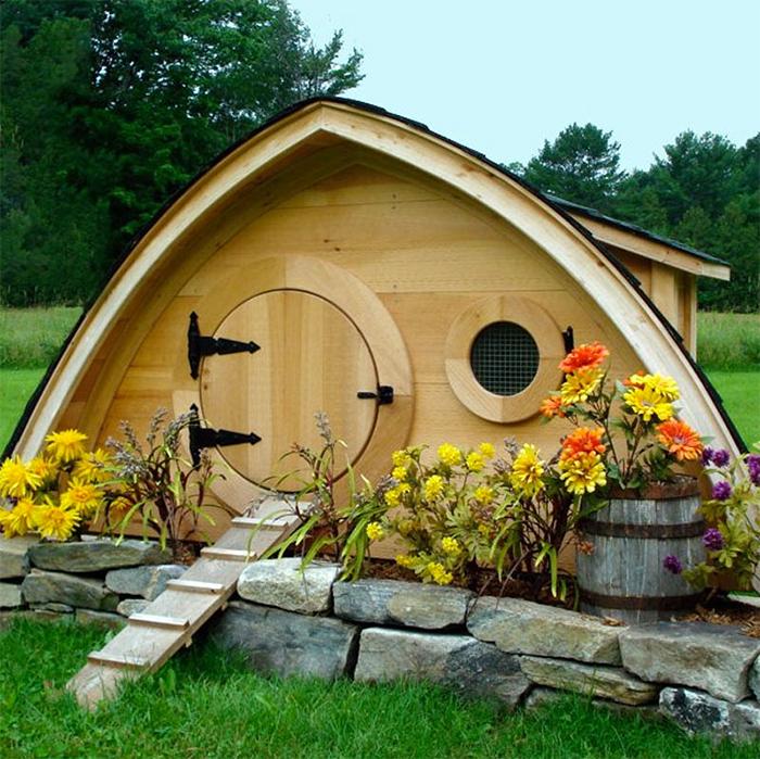 creative chicken coops hobbit house design
