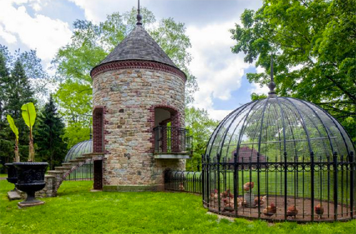 creative chicken coops palace design