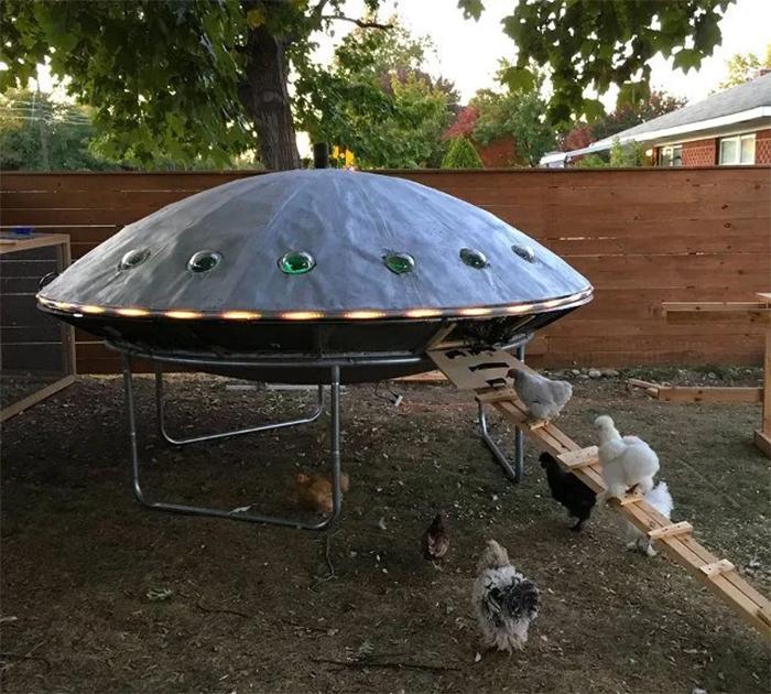 creative chicken coops ufo design