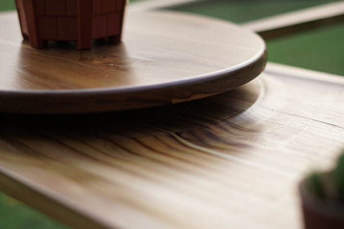 gentle wooden slope details of the elytra coffee table