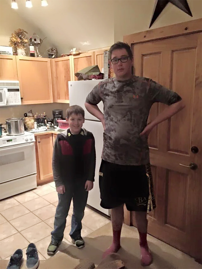 height difference two boys of the same age