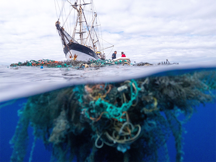 large net ocean plastic underwater