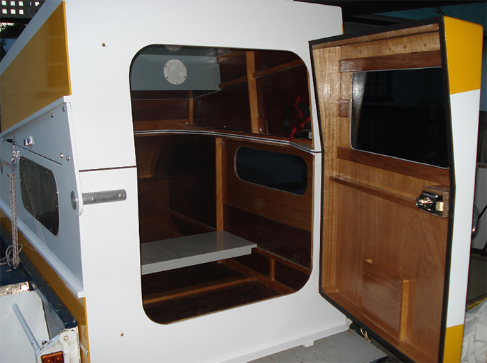 micro-camper cruiser door