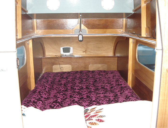 mini camper-cruiser interior bedspace