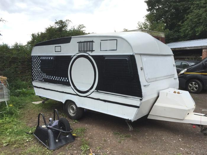caravan giant camera