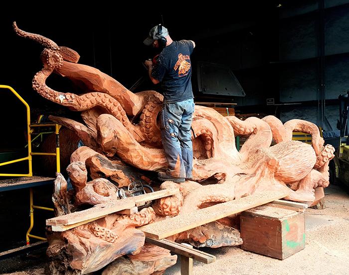 chainsaw artist jeffrey michael sea creature sculpture work in progress