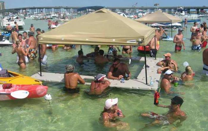 floating bar in pool